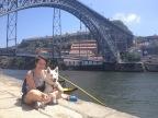 devant le pont Dom Luis I à Porto